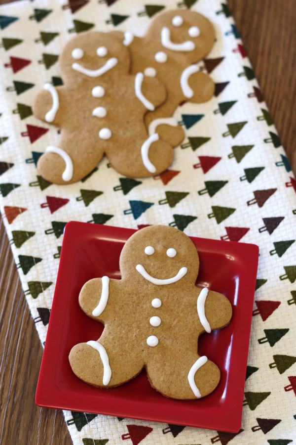 Gluten Free Vegan Gingerbread Men Cookies. These little guys are allergen free and just about as cute as can be!