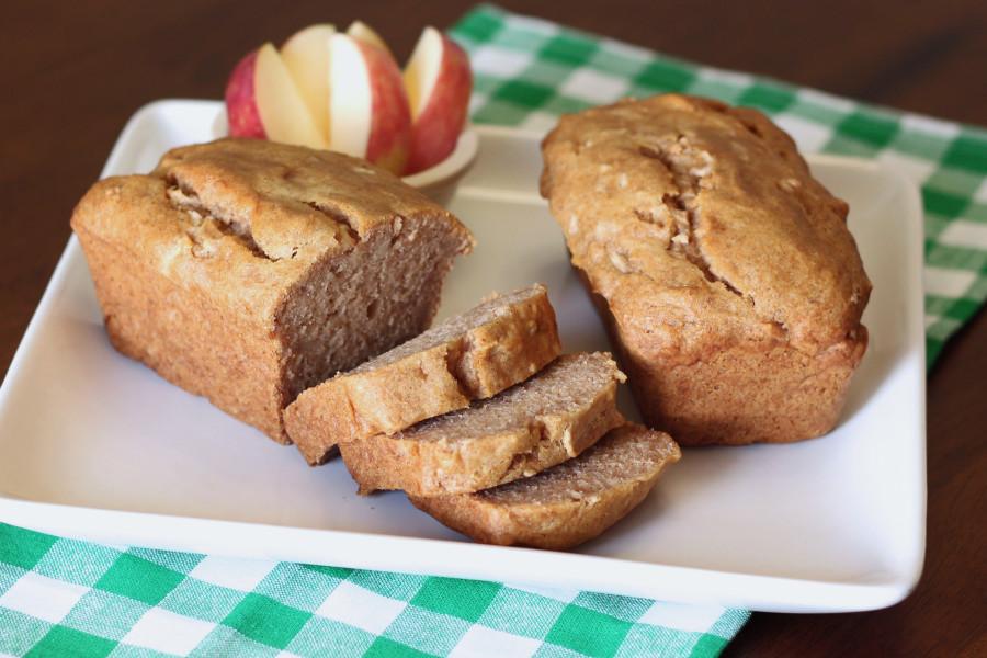 Gluten Free Vegan Mini Cinnamon Apple Loaves. Tender apple bread, baked in mini loaf pans.