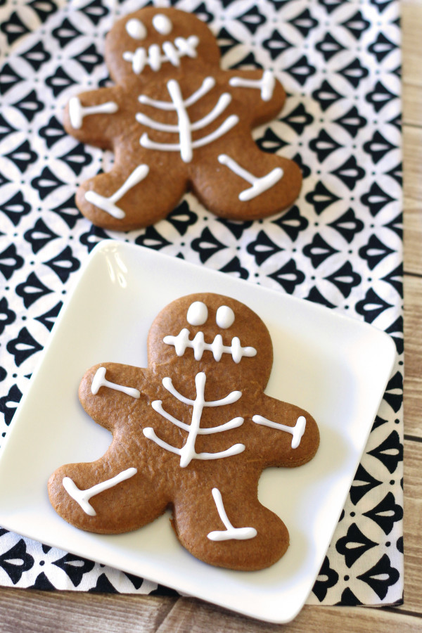 Gluten Free Vegan Gingerbread Skeleton Cookies. Who says gingerbread men cookies are only for Christmastime?