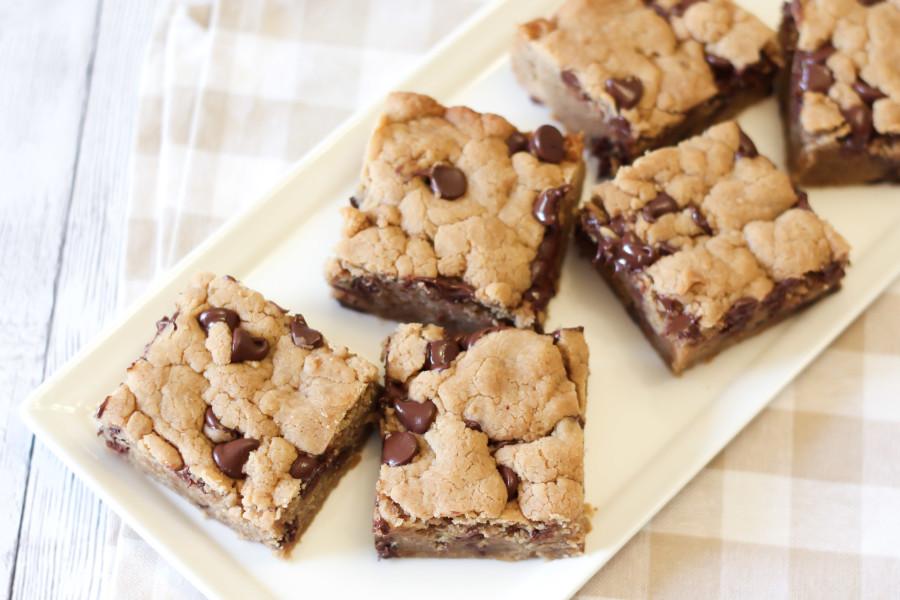 gluten free vegan chocolate chip peanut butter cookie bars - Sarah ...