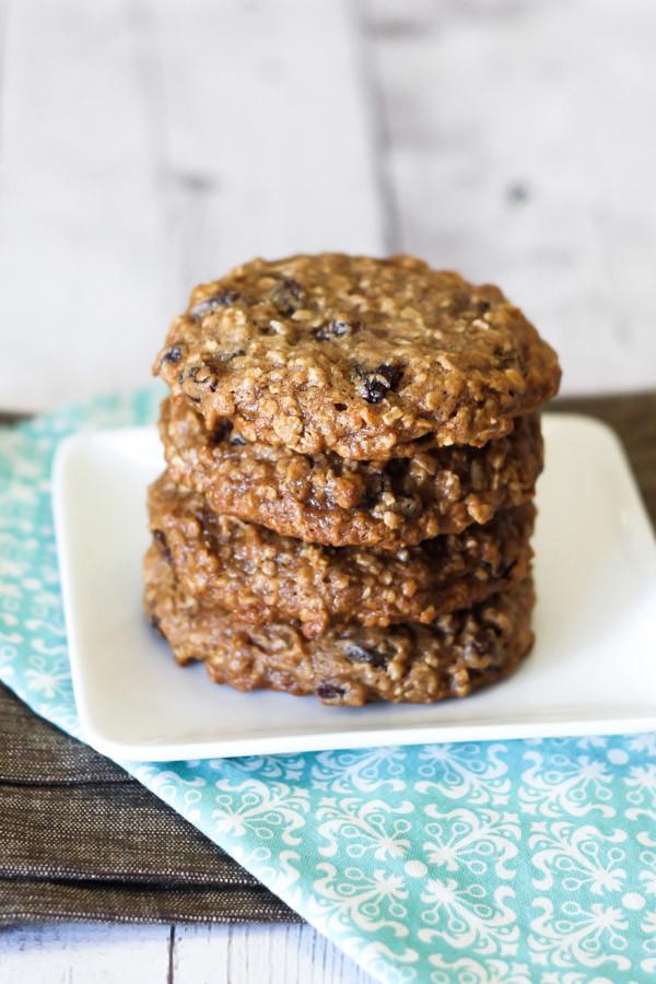gluten free vegan soft oatmeal raisin cookies - Sarah Bakes Gluten ...