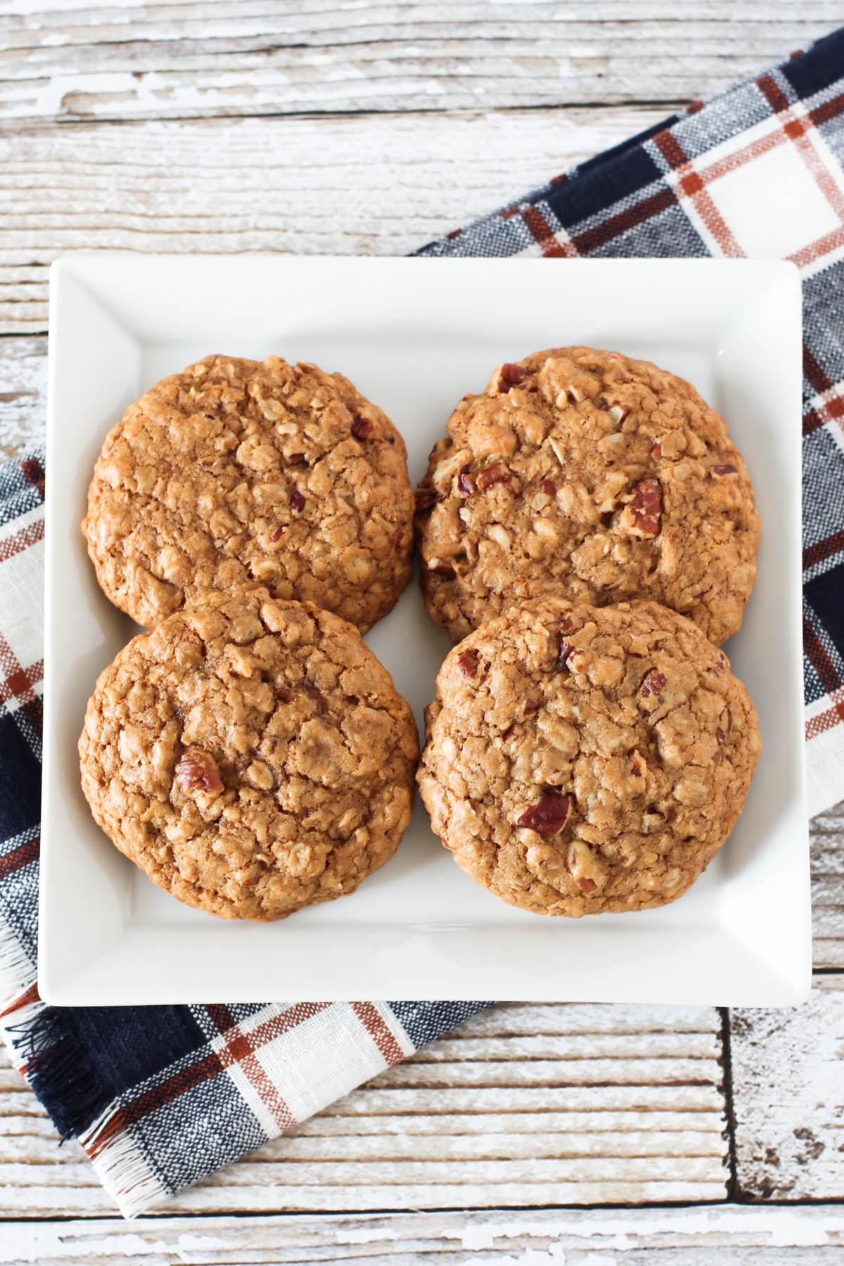 gluten free vegan maple pecan oatmeal cookies