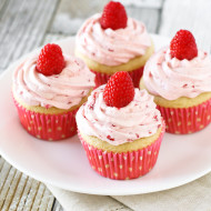 gluten free vegan raspberry vanilla cupcakes