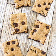 gluten free vegan salted chocolate chip cookie bars