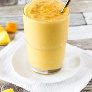 dairy free golden turmeric smoothie