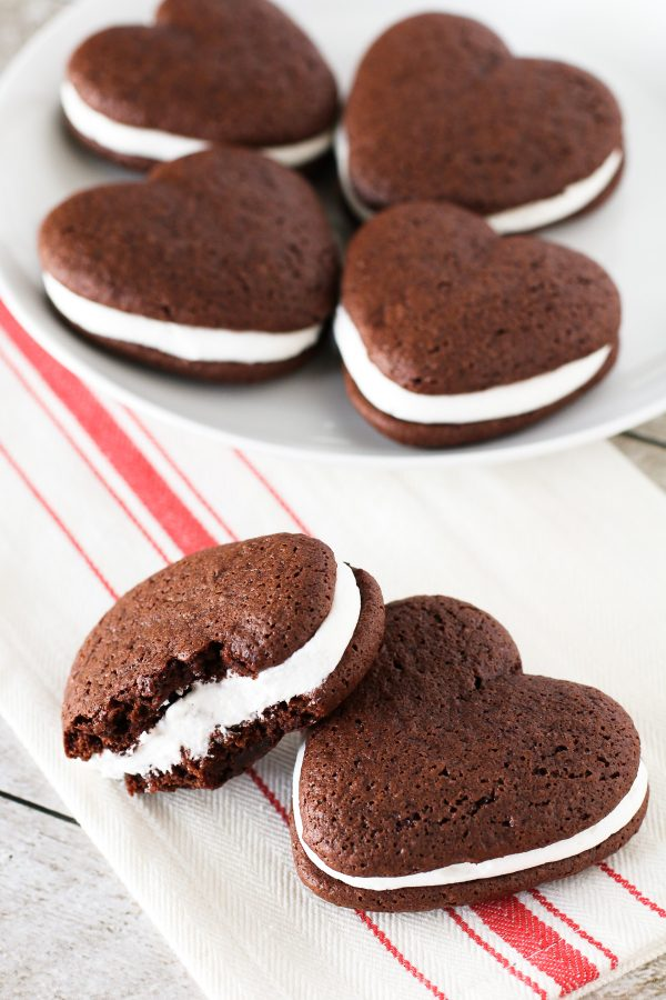 Gluten Free Vegan Whoopie Pies Two Chocolate Cake Like Cookies With A Whipped Vanilla