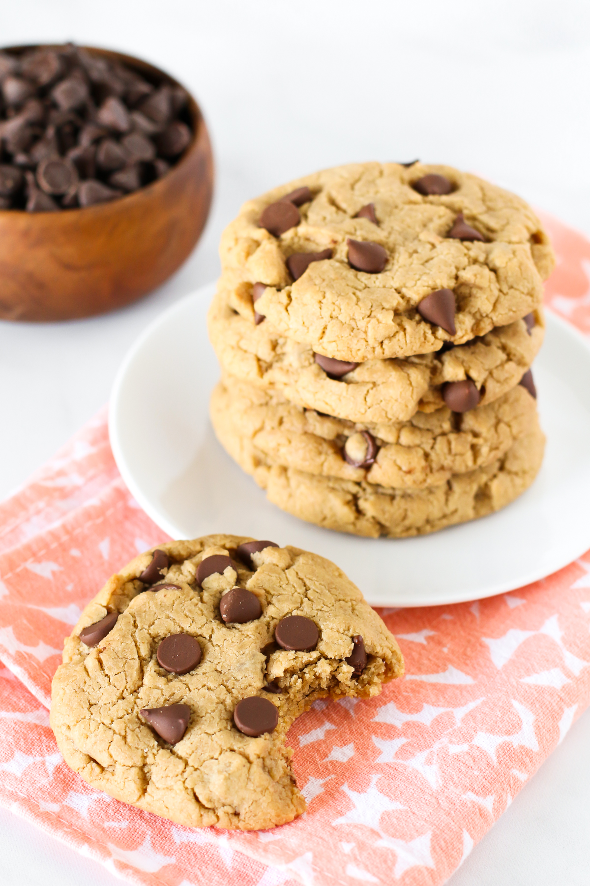 Gluten Free Vegan Peanut Butter Chocolate Chip Cookies. For all of you PB and chocolate lovers out there, these cookies are for you!
