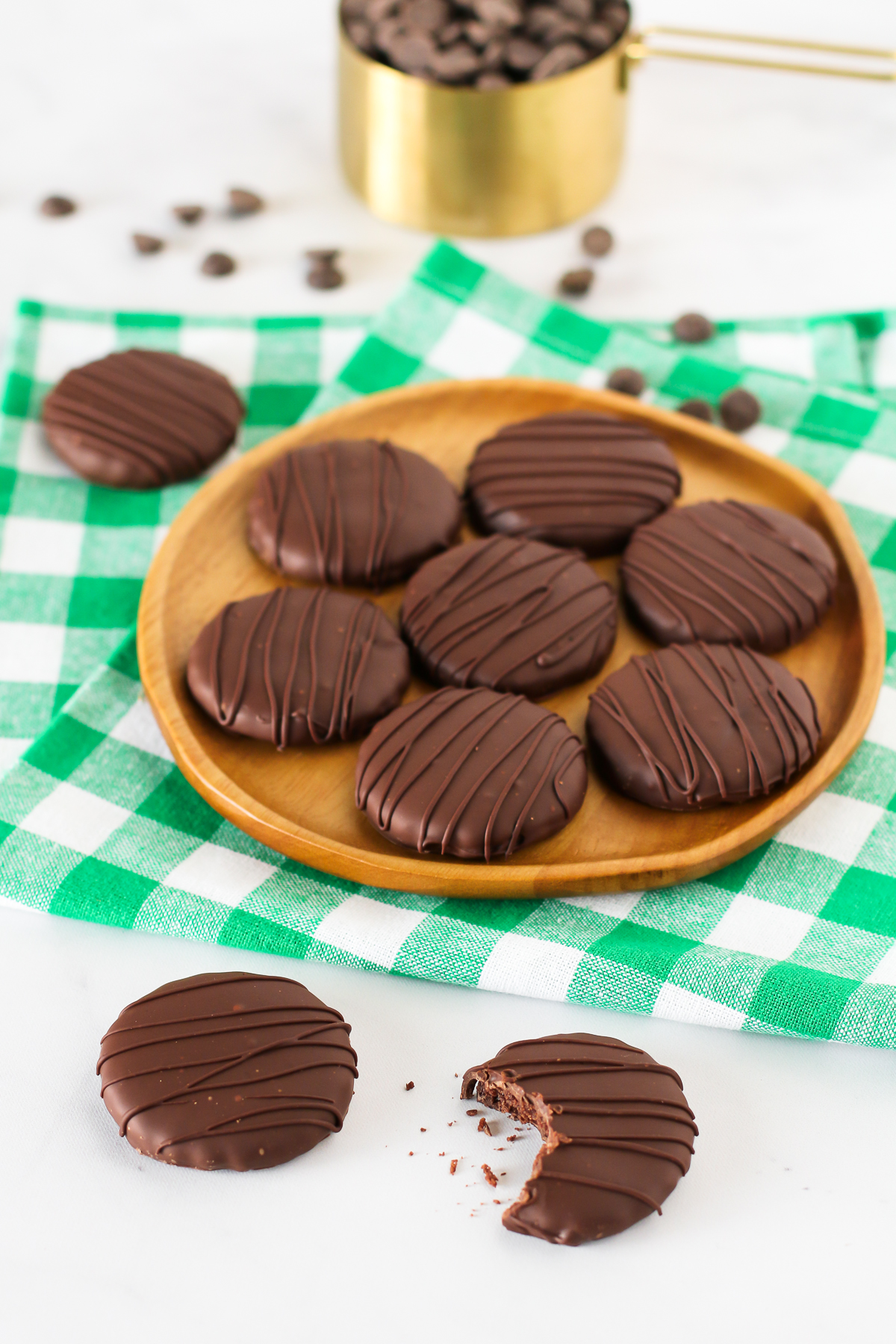 Gluten Free Vegan Thin Mint Cookies. Chocolate-covered crunchy chocolate mint cookies. Just like you remember them!
